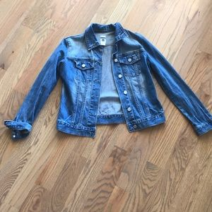 Women gap distressed denim jacket